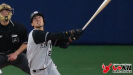 フルスイング!全力で走って、ヘッドスライディング!死ぬ気で頑張る。阪神タイガース・江越大賀外野手(23歳) スポーツ人間模様