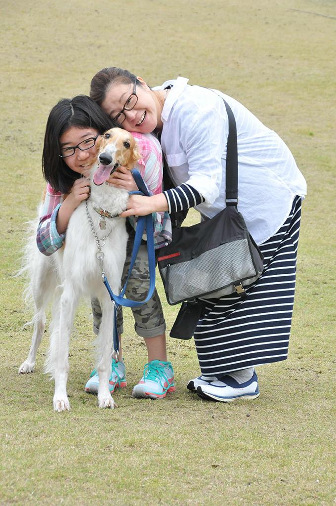 中田さんと娘さん、そして「次女」のジャスミン(w680)