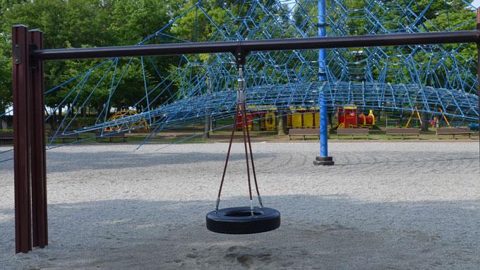 タイヤブランコ,御勅使南公園