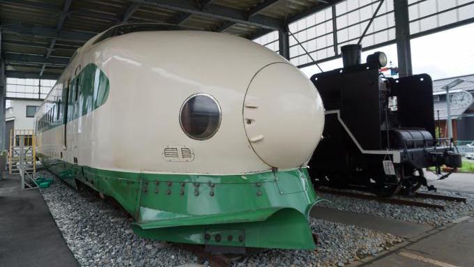 200系新幹線とC57