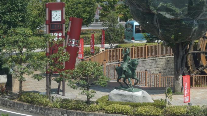 真田幸村騎馬像