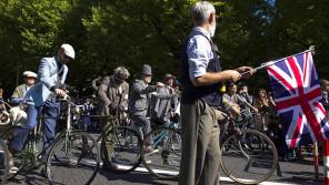ツイードをオシャレに着こなし自転車で走るイベント「ツイードラン」10/23(日)開催 【本仮屋ユイカ 笑顔のココロエ】