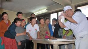 そばに魅せられブータン国民と交流する江戸ソバリエ72歳 「あけの語りびと」(朗読公開)