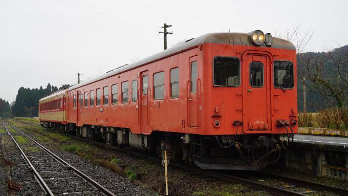 bl170111-1(いすみ鉄道・キハ52)