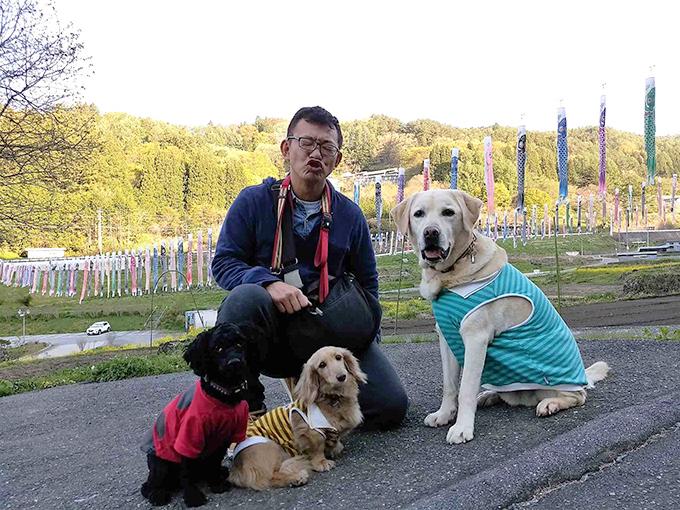 ご主人と愛犬たち(右からヤンキー、タン、ソウル)(w680)