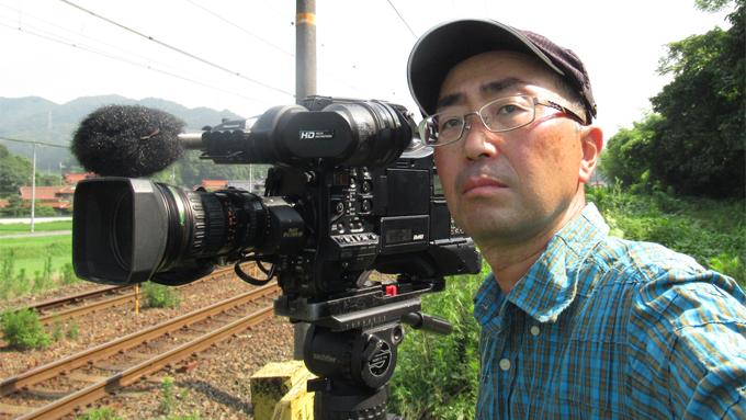 「廃止になった路線は二度と撮れないですから」鉄道を撮り続けて30年。600本以上の作品を創り上げた鉄道ディレクター【10時のグッとストーリー】