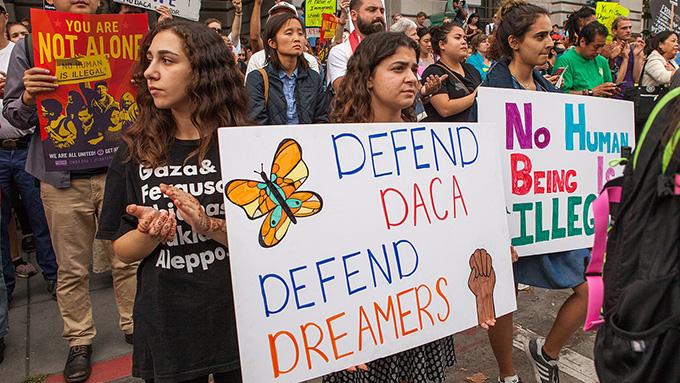 「不法移民保護措置DACA撤廃」トランプ大統領の狙いとは?