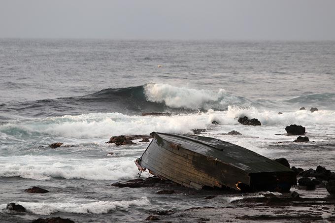 木造船 北朝鮮 漂流