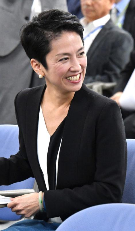 蓮舫氏が立憲民主党に入党届 野...