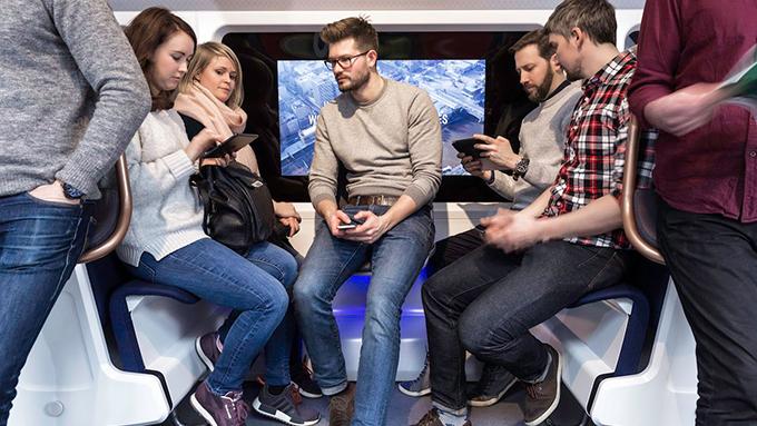 乗り物の新しい座席の形! 満員電車の椅子や飛行機の向かい合う椅子って知ってる?