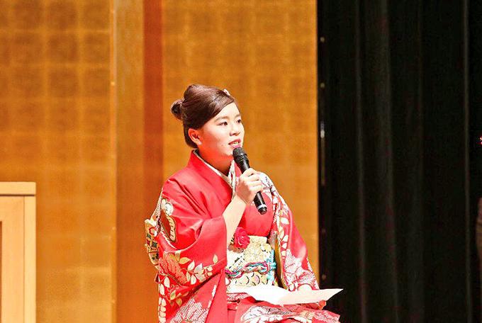 瀬立モニカ 新成人式 簡易式着物 明日櫻 簡易式着物 車椅子 車いす 車イス 着物 着付け