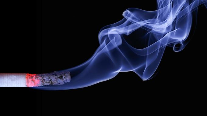 """受動喫煙対策案~なぜ自民党は""""例外的な飲食店喫煙""""を押すのか?"""
