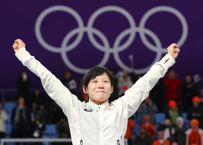 高木美帆 スピードスケート 女子 1,500m 銀メダル 表彰台