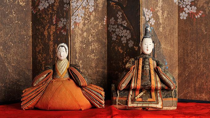 雛人形が江戸時代に立ち姿から座った理由とは?