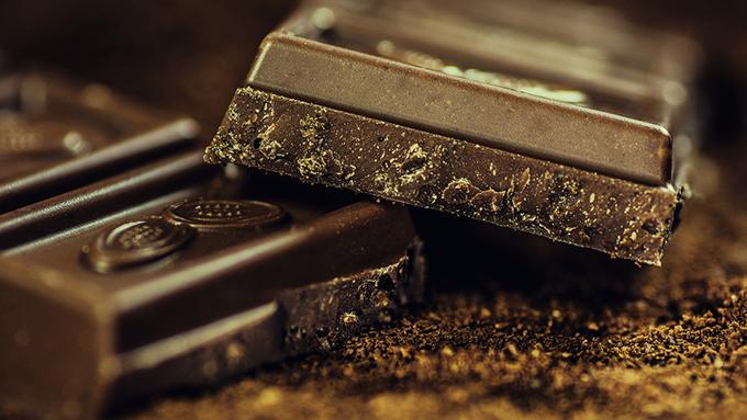 チョコ好きのあなたへ いっぱいチョコを食べた時のステキな言い訳7選