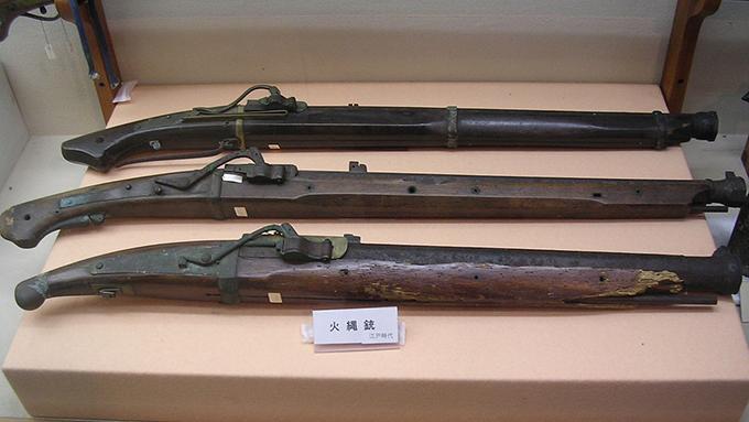 室町時代、種子島藩主と刀作り職人と火縄銃によって日本のネジは生まれた
