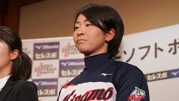 私達は支援企業と地域の皆さんの応援でソフトボールができるので・・–大垣ミナモ・平川穂波選手-