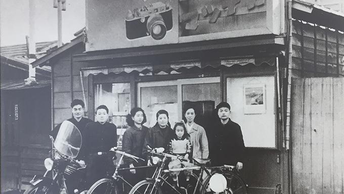 カメラと東京タワーと家族で営む小さな写真店の物語