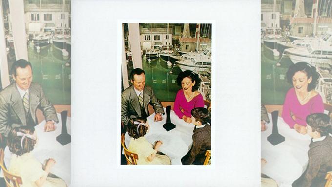 1976年4月12日、レッド・ツェッペリンのアルバム『プレゼンス』がプラチナディスクを獲得