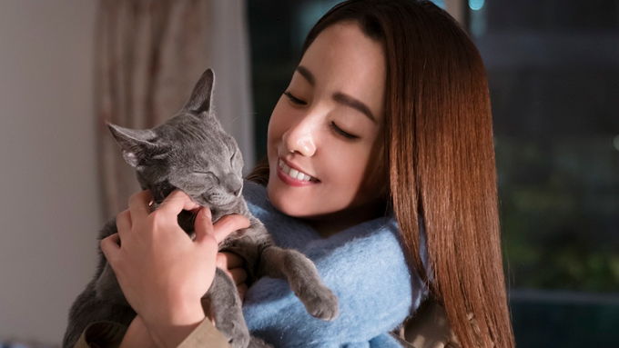 沢尻エリカ×吉沢亮、猫はいつもそばにいてくれる!『猫は抱くもの』