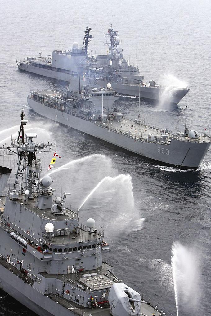 日韓 海軍 捜索 救助 訓練 自衛隊
