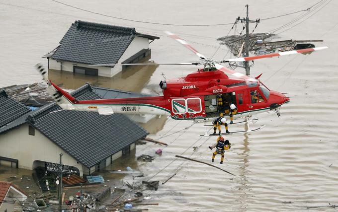 冠水 岡山県 倉敷市 真備町 ヘリコプター 救助