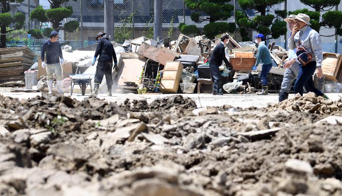 西日本豪雨災害~ボランティアに行く際の事前準備や活動内容について