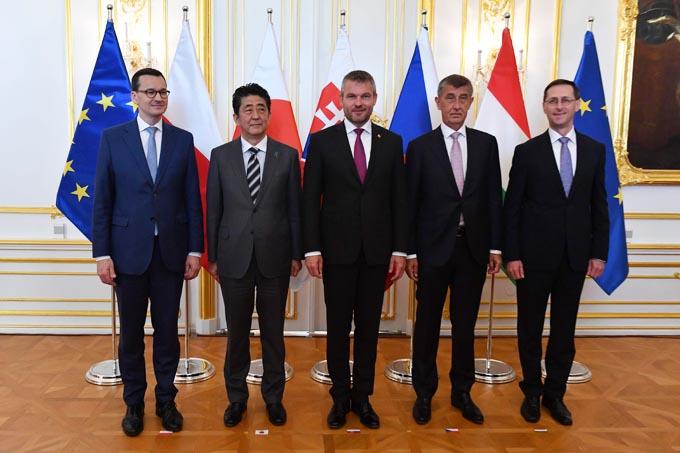 安倍総理が東欧4ヵ国首脳に伝え...
