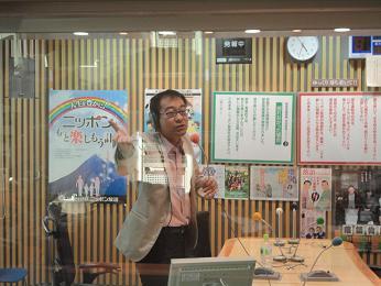 歌う飯田スタジオ.JPG