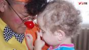 """小児病棟の子どもたちに笑いを届ける""""クラウンK"""" 「あけの語りびと」(朗読公開)"""