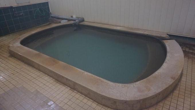 新津温泉のお湯