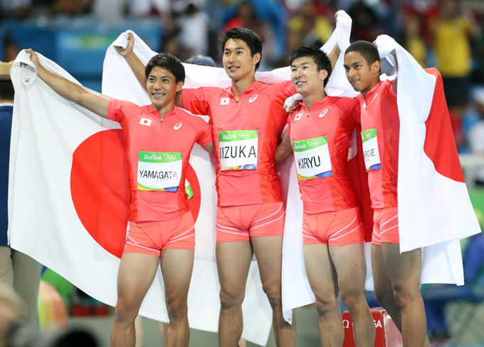 リオ五輪2016陸上男子400mリレー・決勝日本北京五輪以来、アジア新記録で銀メダル