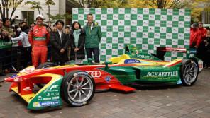 電気自動車レースの世界最先端! 「フォーミュラE」カーが丸の内を疾走!