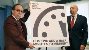 """""""世界終末時計""""残りがあと2分30秒に大幅短縮!トランプ大統領が世界を滅ぼす?【ひでたけのやじうま好奇心】"""