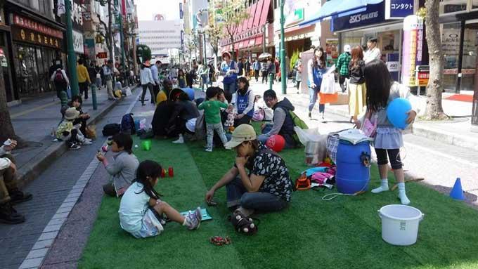 東京の路地裏に子どもの遊び場を取り戻す!「あけの語りびと」(朗読公開)