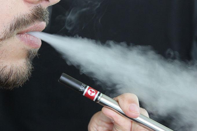 「水蒸気タバコ」の画像検索結果