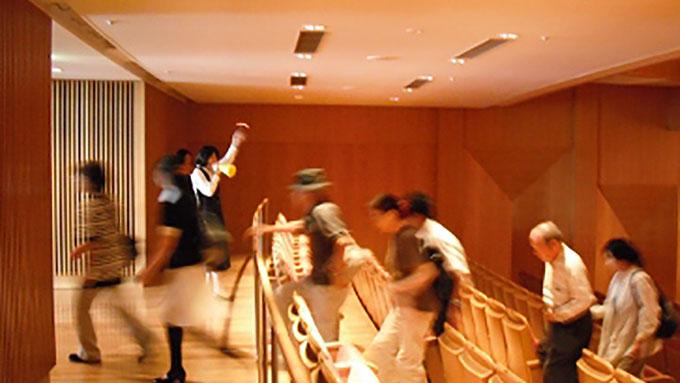コンサート中に始まる避難訓練があるんです!
