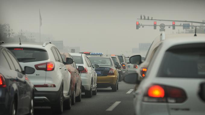 中国が電気自動車に力を入れるのにはワケがある