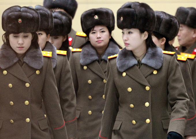 牡丹峰楽団 ヒョン・ソンウォル 団長 北京国際空港