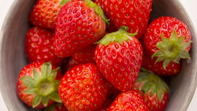 「おいCベリー」に「初恋の香り」? イチゴの色とりどりの品種