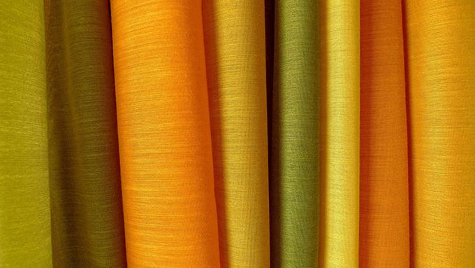 ミラーカーテンにケースメント さまざまなカーテンの種類