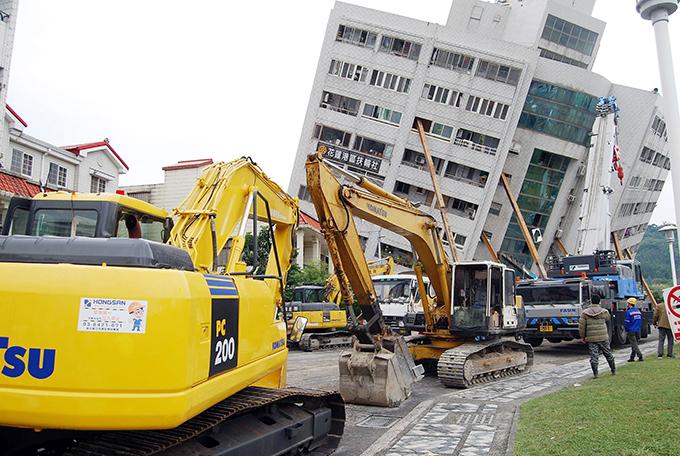 台湾 東部 地震 花蓮市