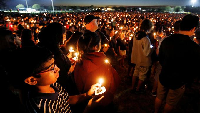 フロリダ高校銃乱射~銃規制が難しいアメリカとトランプ大統領の実情