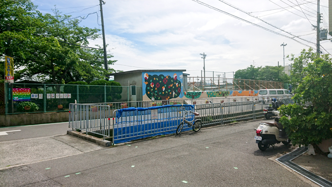 寿栄 小学校 前