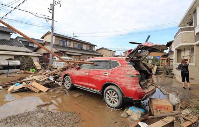 西日本 豪雨 被害 濁流 車 岡山県 倉敷市