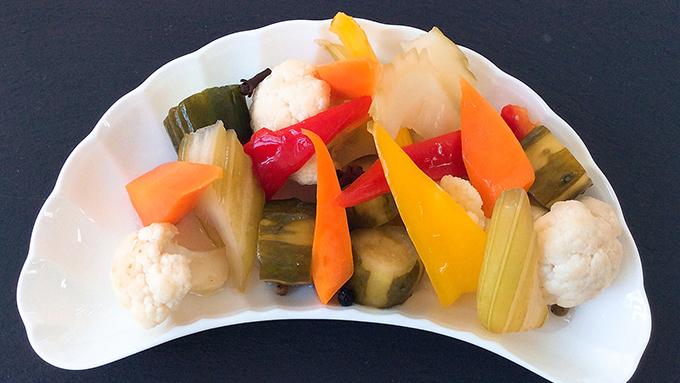 むし暑い時期でもさっぱりと食べられる「ピクルス」のレシピ