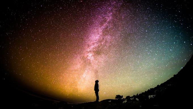 実際の織姫と彦星が逢えるのは光の速さでどれくらい?