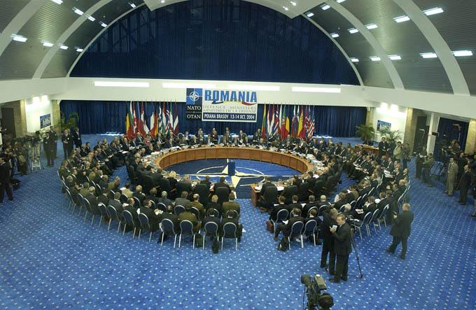 NATO サミット 北大西洋条約機構 長崎 原爆 原爆の日 安全保障 安全保障条約