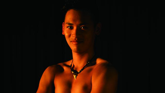 「ファイヤーナイフダンス」世界選手権で日本初の2位入賞を果たした男性のストーリー