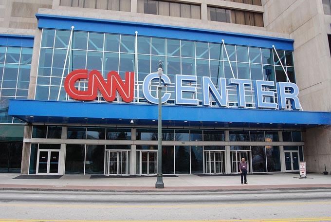 CNN フェイクニュース トランプ トランプ大統領 マスコミ 報道 メディア 一斉批判